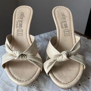 Open toed heel